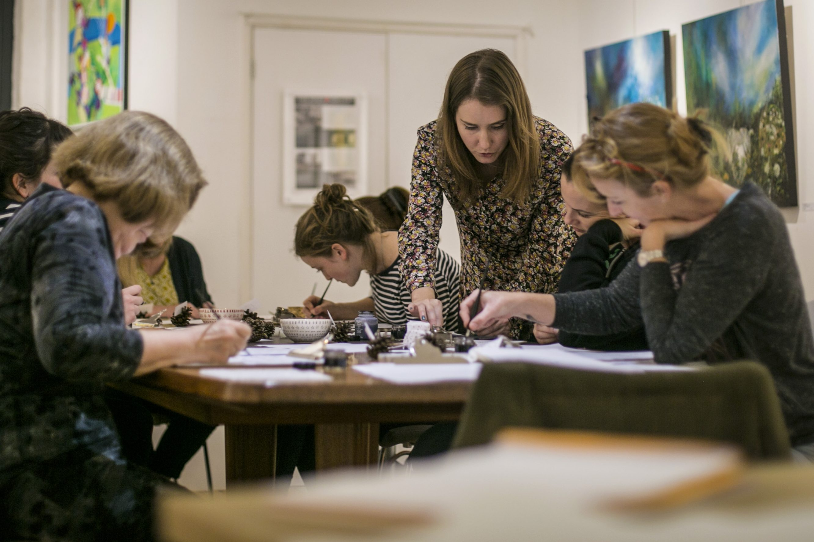 Francesca McLean Introduction to Modern Calligraphy image showing Francesca working with her group
